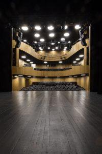 Widok ze sceny na salę widowiskowąą BCK