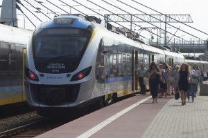 zdjęcie pociągu szynowego - Impuls