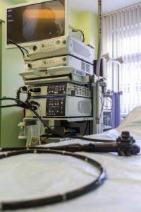 Widok na kolonoskop w gabinecie lekarskim